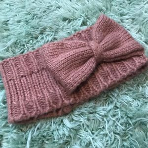 Knit head warmer with bow